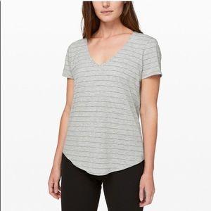 Lululemon grey love tee T-shirt v neck